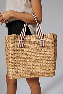 Handle Detail Straw Bag
